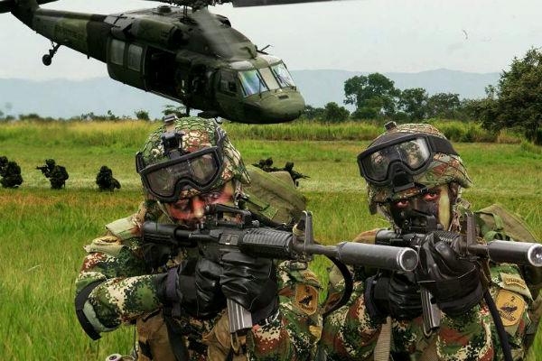 Colombian army (Photo: Mrnico1092) https://en.wikipedia.org/wiki/File:Ejercito_de_colombia.jpg