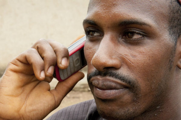 La révolution de l'information en Afrique : Implications pour la criminalité, le maintien de l'ordre et la sécurité des citoyens