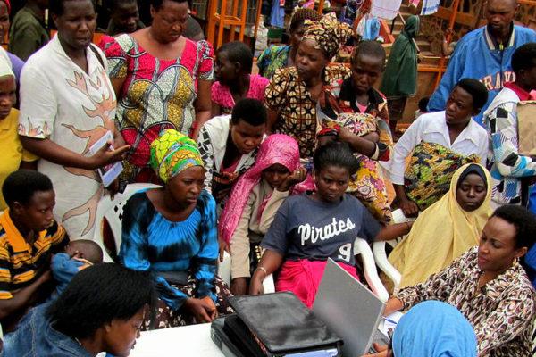 Community meeting. Photo: UNDP.