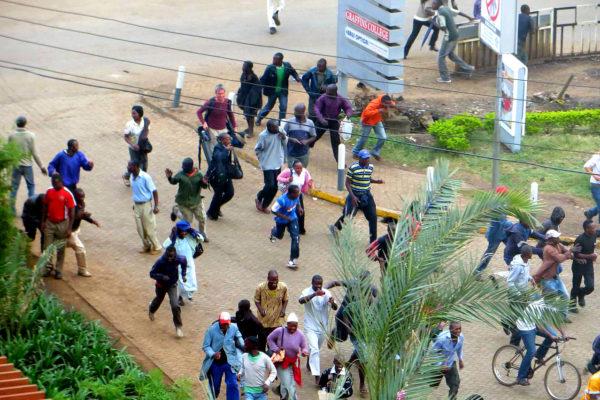 Crowd fleeing Westgate Mall 300x200