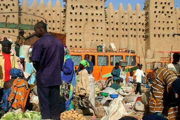 Monday market in Djenne. Photo: Ferdinand Reus