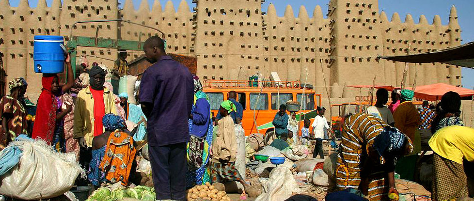 Monday market in Djenne. Photo: Ferdinand Reus