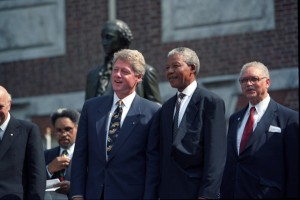 Mandela-and-Clinton-300x200