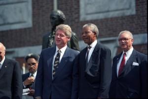 Mandela-and-Clinton-300x200