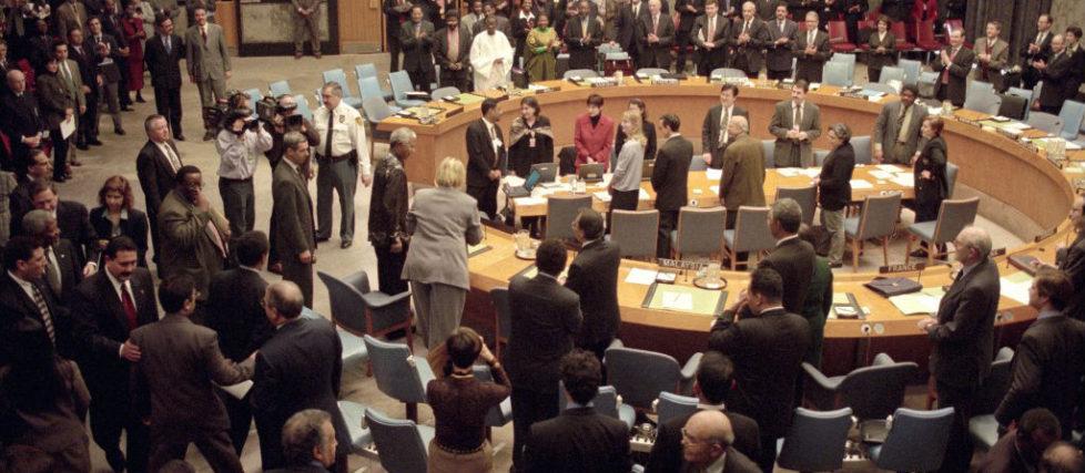 Janvier 2000 : Nelson Mandela est accueilli par le Conseil de sécurité des Nations Unies et approuvé comme facilitateur du processus de paix d'Arusha