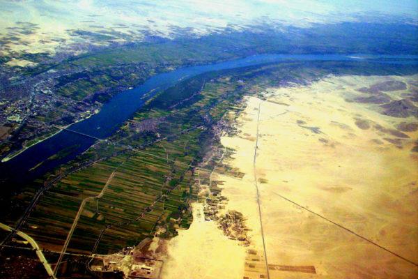 Vallee fertile du Nil a Louxor