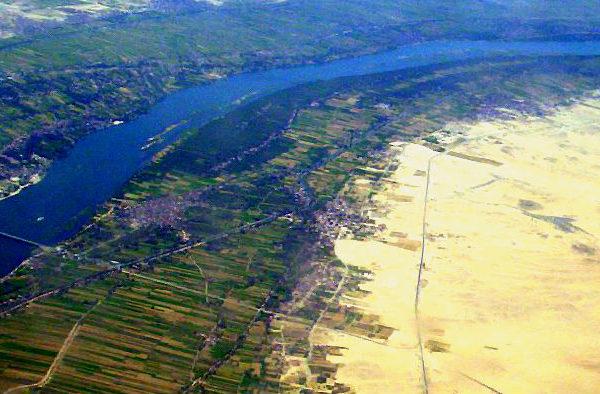 Vallee fertile du Nil a Louxor. Photo: Bionet