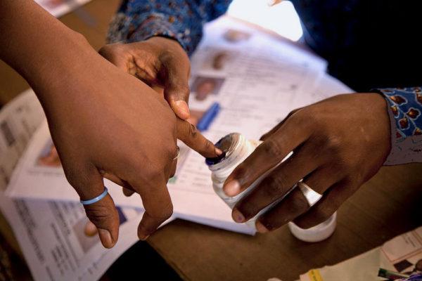 Malians vote in 2013 election [UN Photo/Marco Dormino]