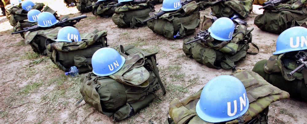 Blue helmets in Bubanza, Burundi. UN Photo/Martine Perret