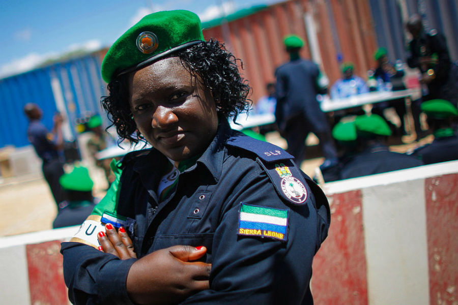 A Sierra Leone policewoman. AU-UN IST PHOTO / STUART PRICE.
