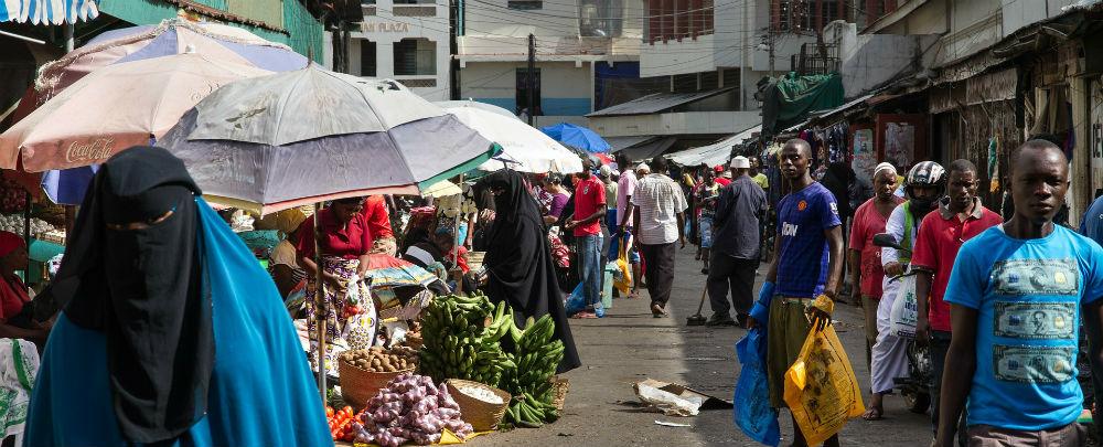 Un marchéà Mombasa, Kenya
