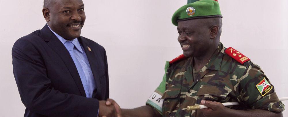Burundi president and AMISOM force commander