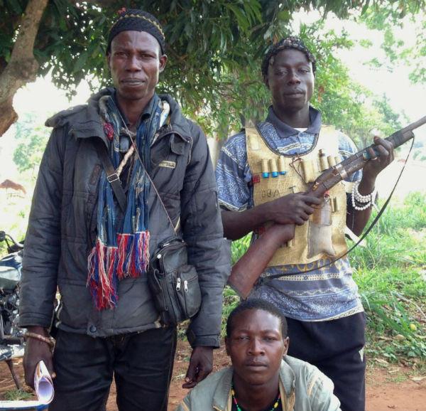 Anti-Balaka militia members. (Photo: Bagassi Koura, VOA French.)