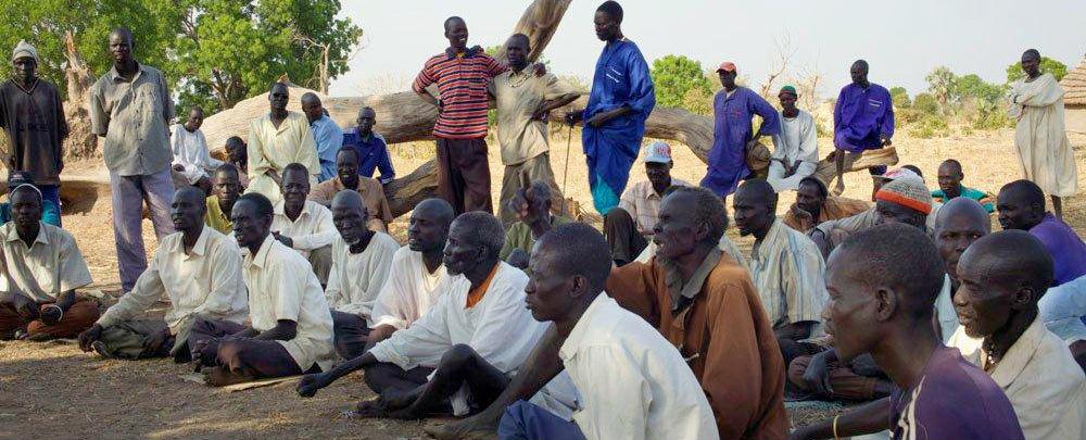 """محكمة تقليدية في """"واراب""""، جنوب السودان (تصوير: براين سوكول من يو إن دي بي/جنوب السودان)"""