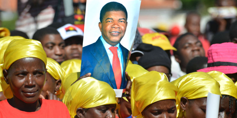 Lourenço's First Year: Angola's Transitional Politics