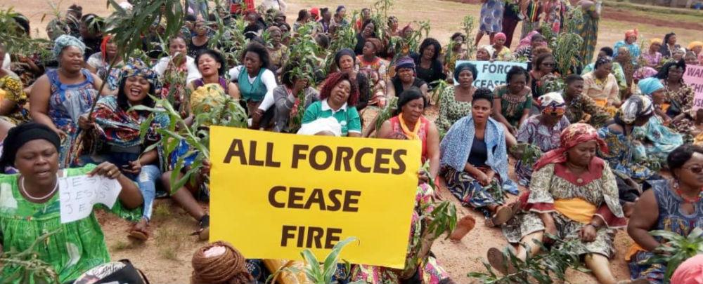 Des manifestantes à Bamenda, Cameroun. (VOA/Moki Edwin Kindzeka)