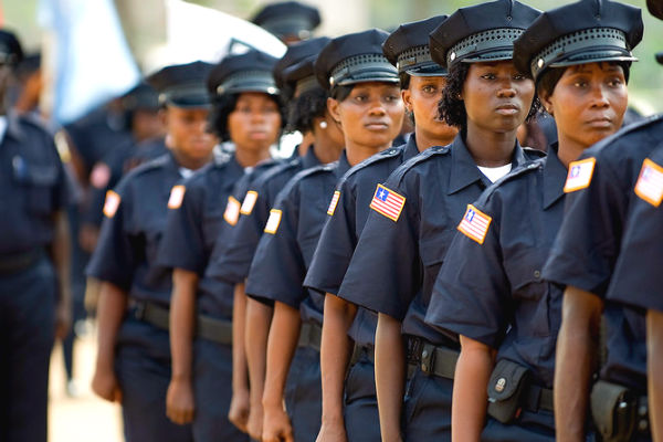Liberian police women (Photo: Africa Renewal)
