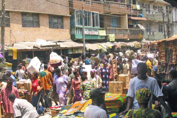 Market_in_Lagos_Nigeria 600x400