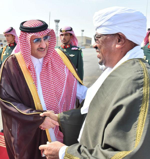 Sudan's Omar al Bashir and Saudi King Salman
