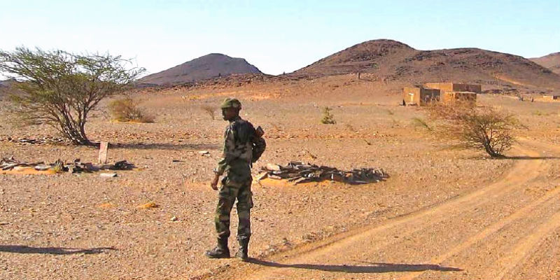 Mauritanian soldier in Sahara