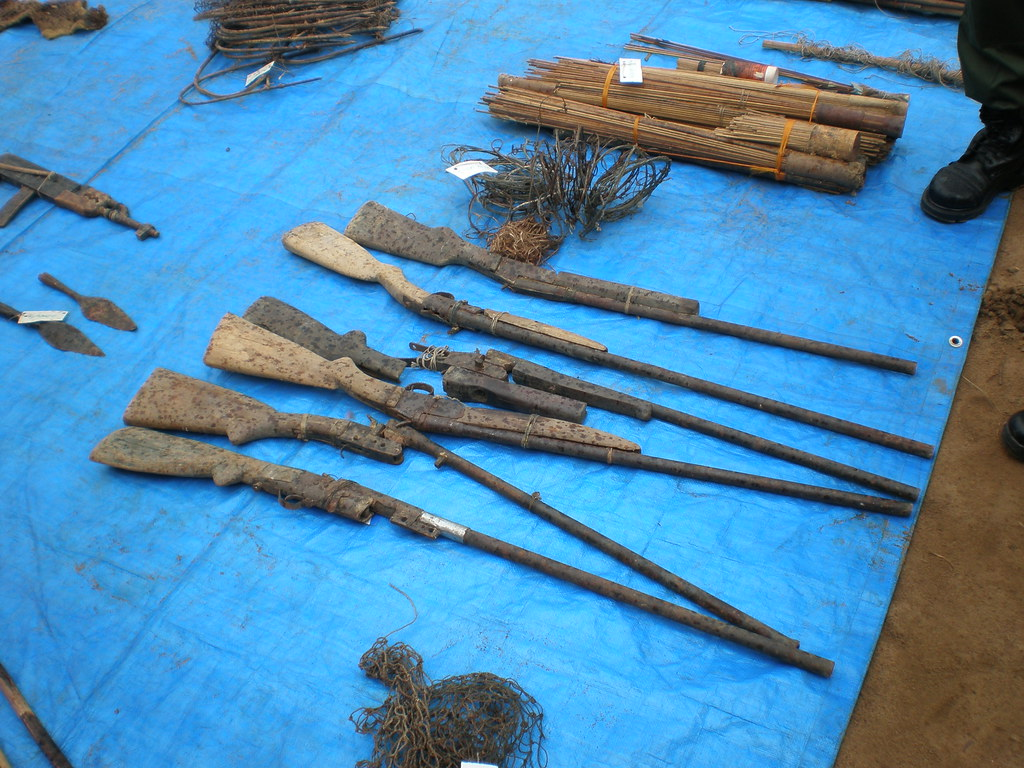 Artisanal weapons in the DRC.