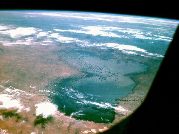 Le lac Tchad vu depuis Apollo 7.