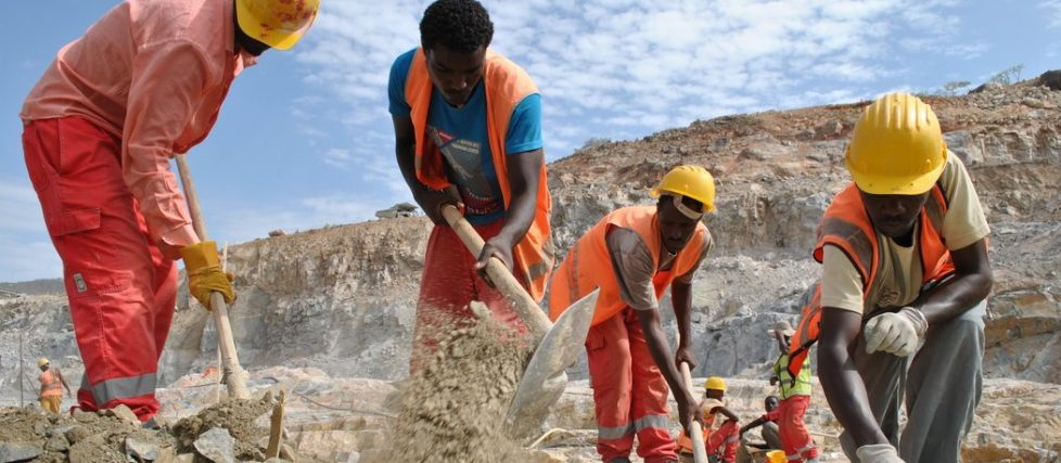 Men at work on the Grand Ethiopian Renaissance Dam project, 2014.