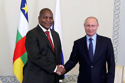 Presidents Faustin Archange Touadera of the Central African Republic and Vladimir Putin of Russia. (Photo: kremlin.ru)