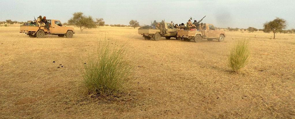 Islamist fighters race near the Mauritania-Mali border