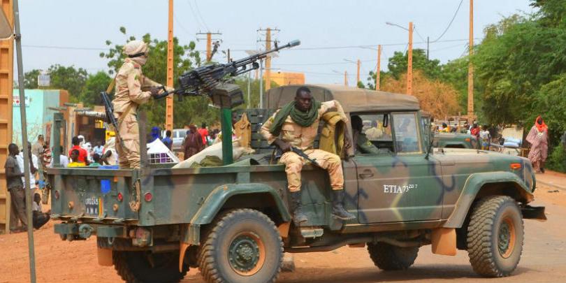 Sahel-ASB36-Mali-soldiers-in-Gao-2x1