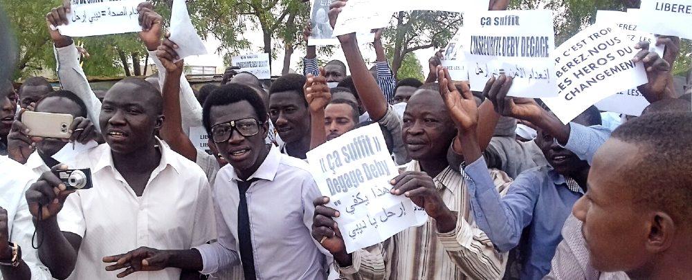 Protesters in N'Djamena, April 2016